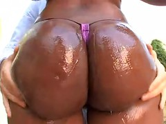 Gorgeous Ebony Shows Her Perfect Big Butt Before Sucking Cock And Getting Anally Fucked